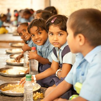 Food for hungry children 885871 carre%cc%81