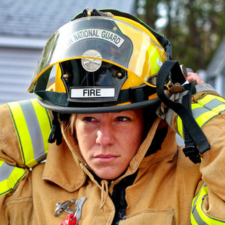 Woman fire fighter 958266